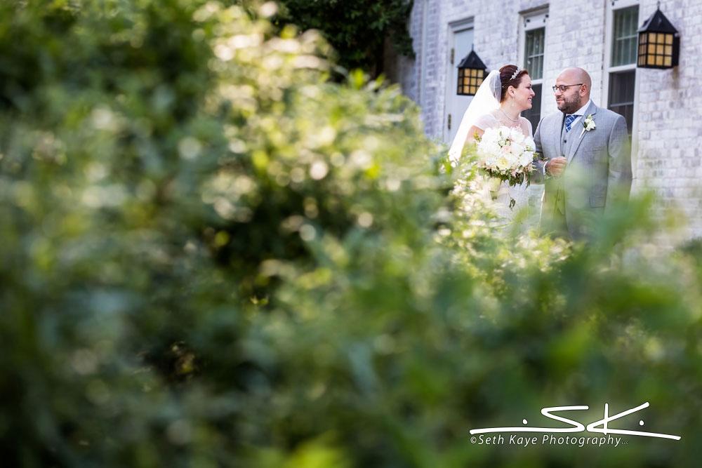 Lord Jeffery Inn wedding portrait